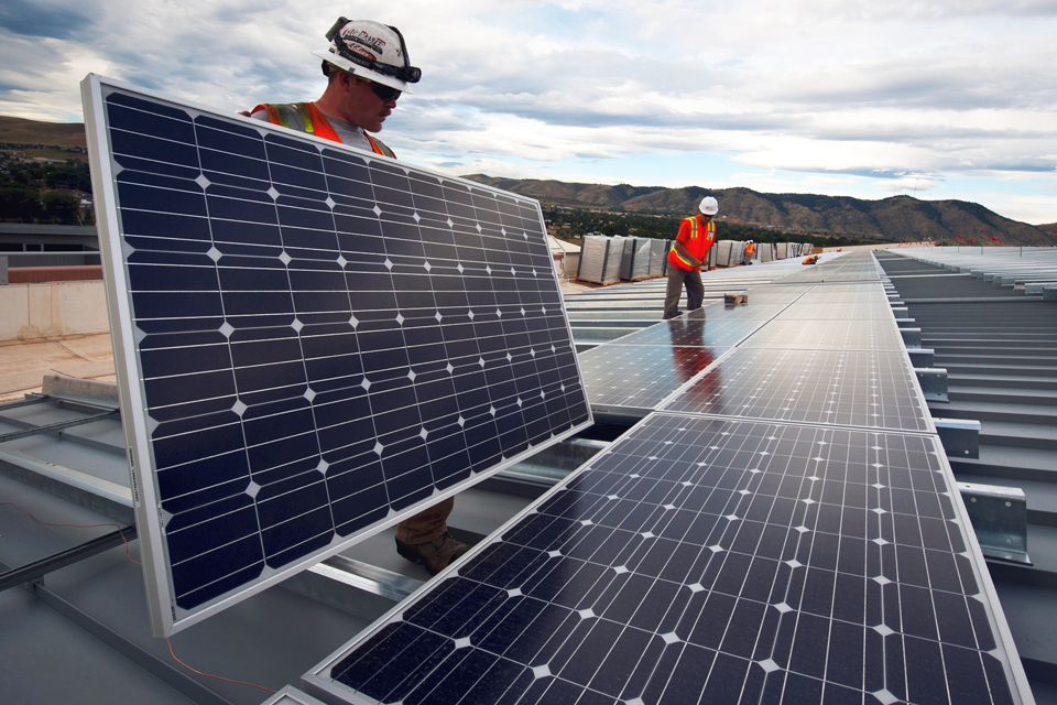 Painel solar - renting de equipamentos de eficiência energética
